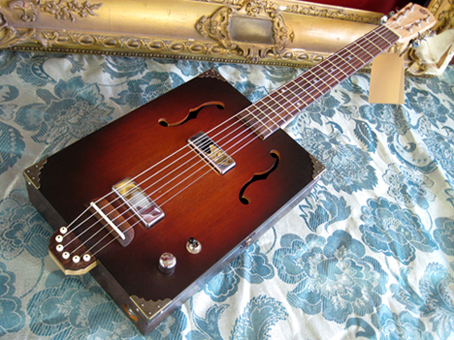 Clydesdale_cigar_box_guitar